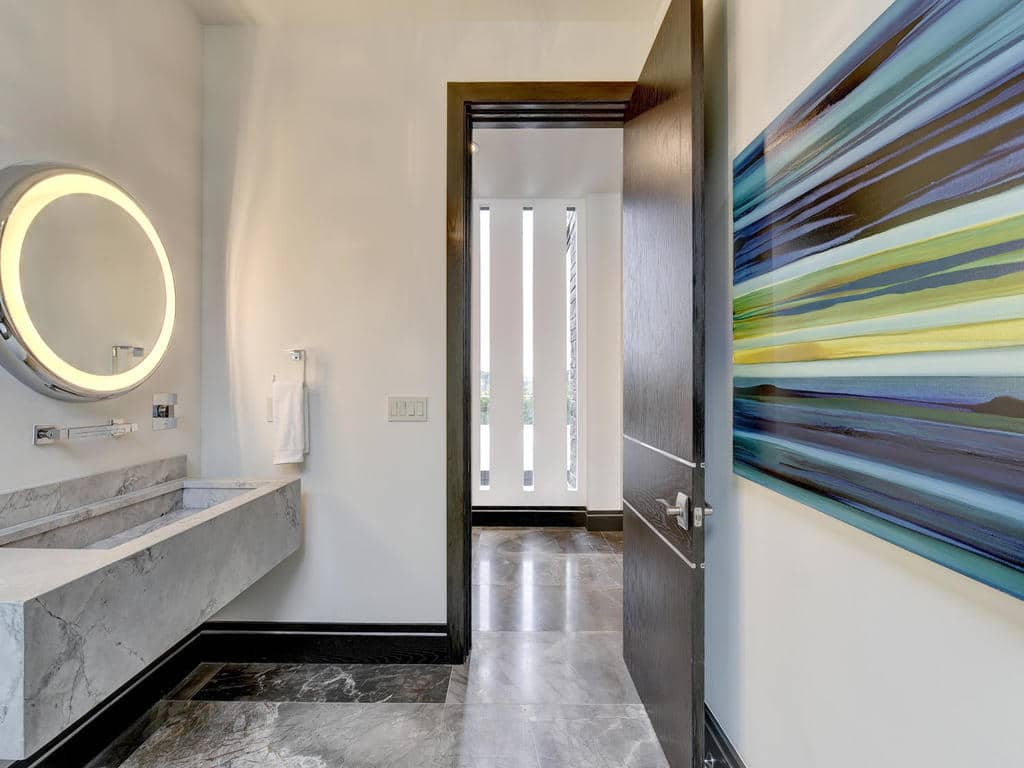clean-lines-bathroom