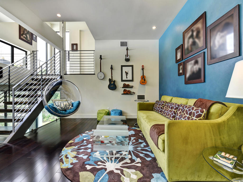 colorful-lisving-room