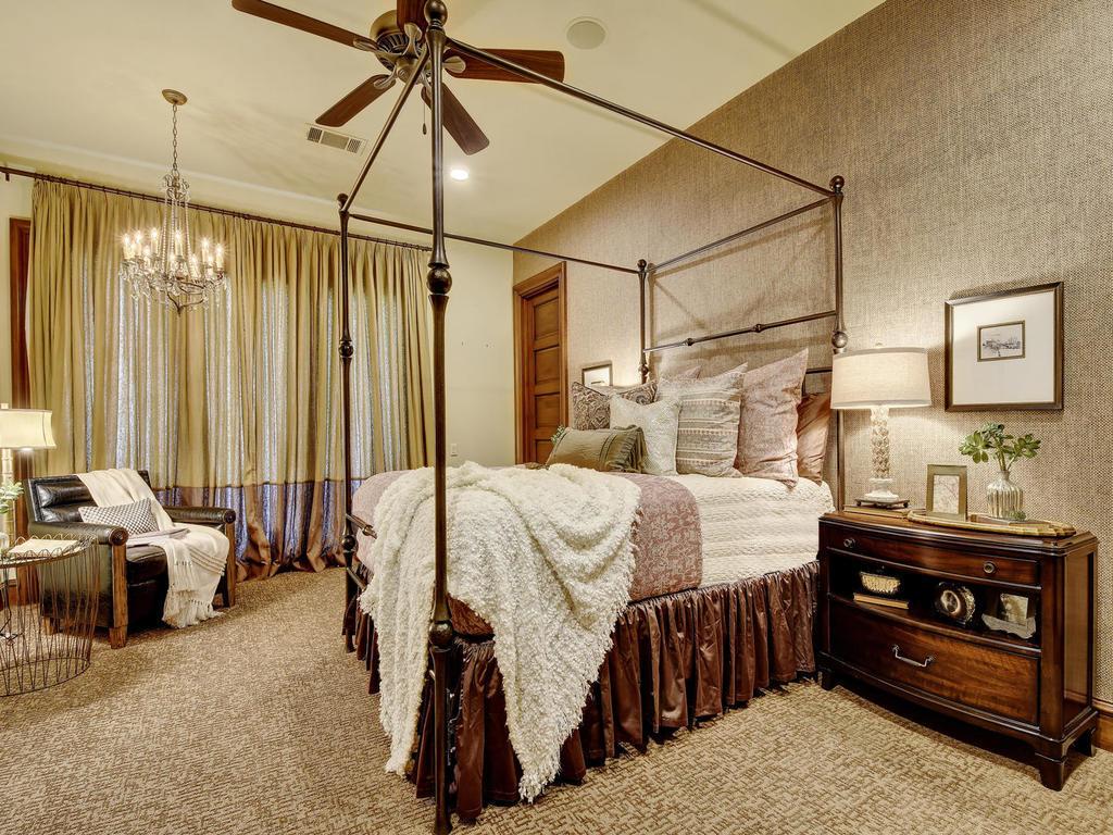 renaud-peck-bedroom-2
