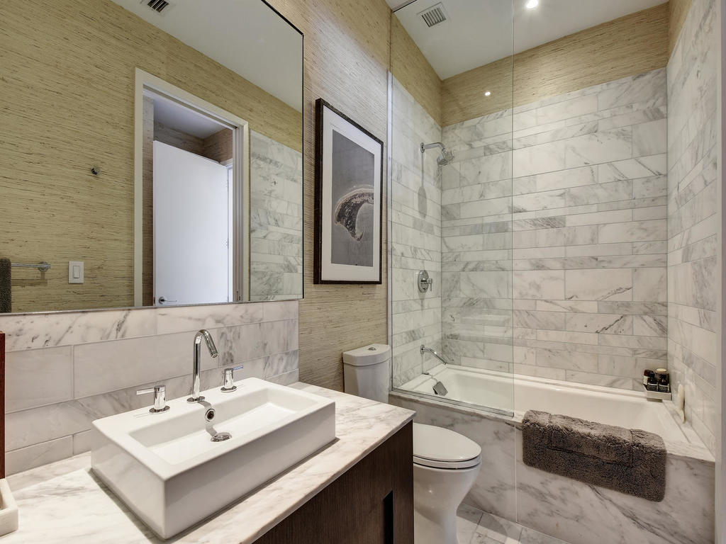 renaud-peck-modern-bathroom